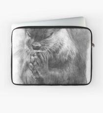 Meditierender Otter (schwarz-weiß) Laptoptasche