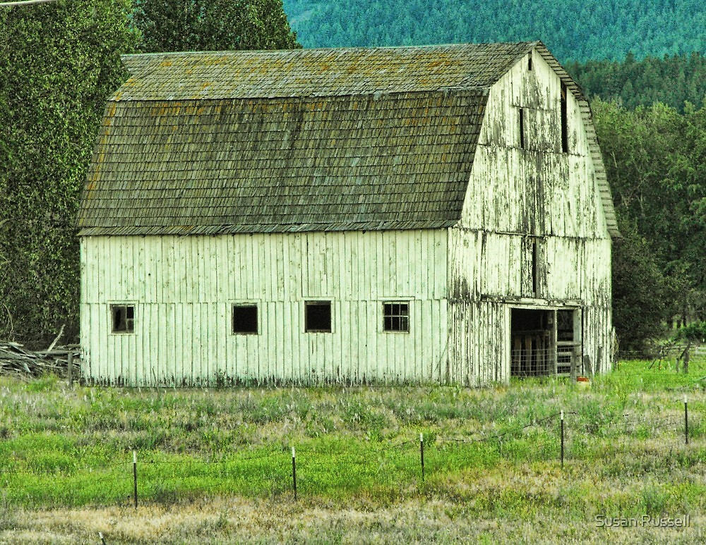 Barn in Montana by Susan Russell