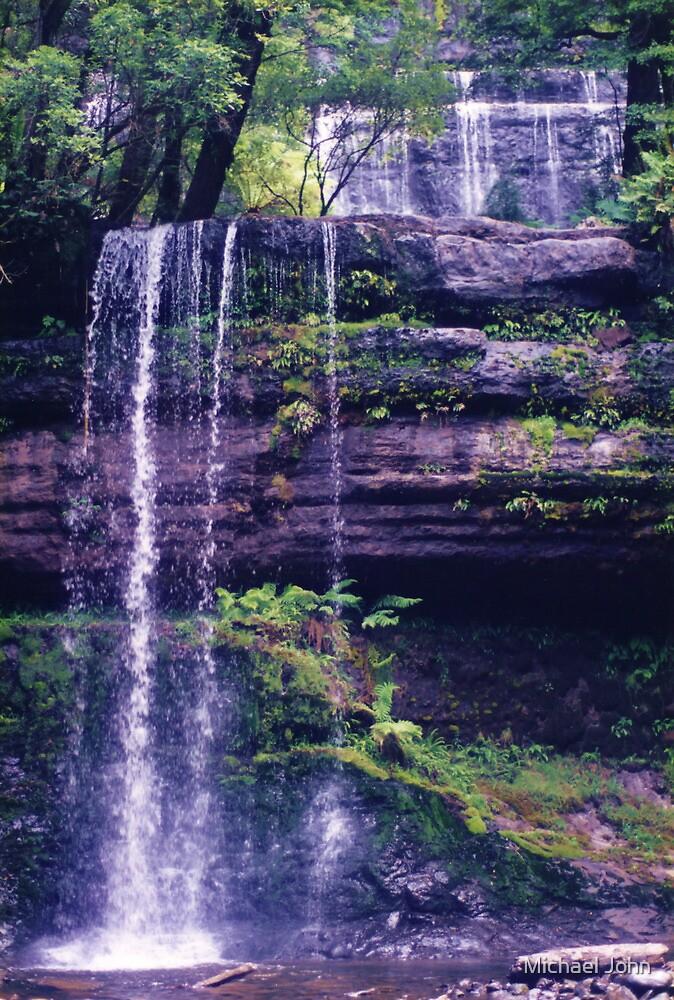 Russell Falls - au naturale by Michael John