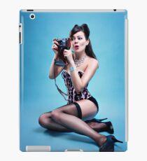 """Freeze"" Pin up Girl  iPad Case/Skin"
