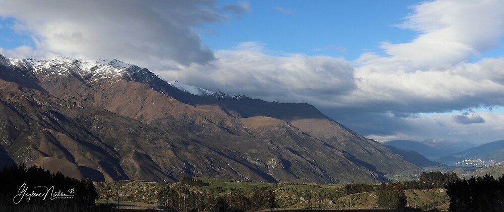 New Zealand - heading up into the mountains by Gaylene Norton