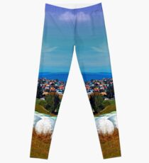 Hay bales, clouds and some scenery Leggings