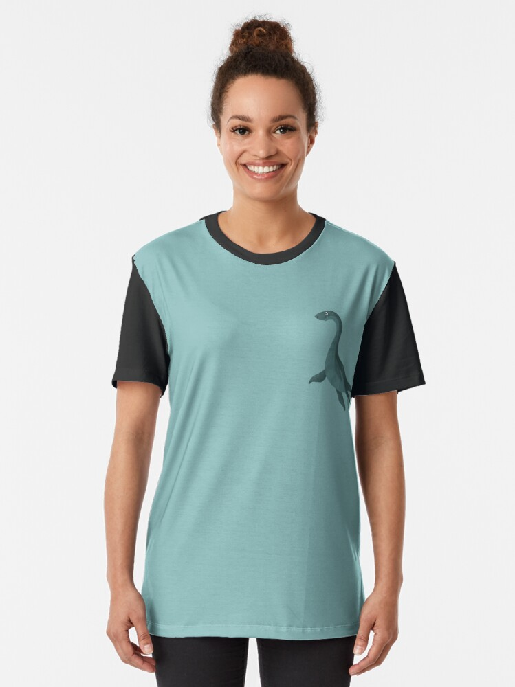 T-shirt graphique ''Nessie': autre vue