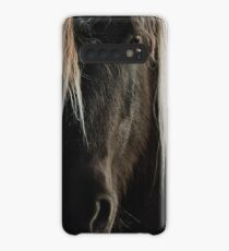 Close up straight look of horse Case/Skin for Samsung Galaxy