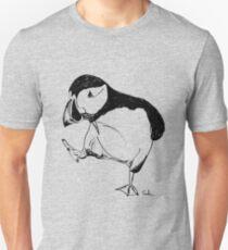 Papageientaucher macht einen Spaziergang Slim Fit T-Shirt