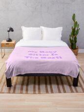 My babysitter is the best purple kawaii print  Throw Blanket