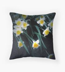 flowing dafodils Throw Pillow