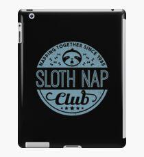 Sloth Nap Club Napping Together - Team Sloth iPad-Hülle & Klebefolie