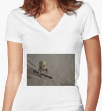 Sandstorm on Jakku Women's Fitted V-Neck T-Shirt