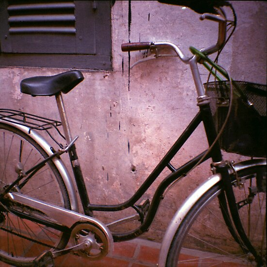 back alley, siem reap, cambodia by tiro