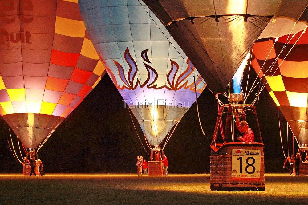 Balloon Glow by Tainia Finlay