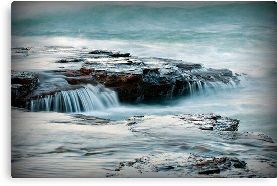 Coledale water flow by Geraldine Lefoe