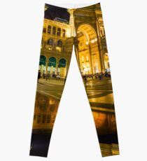 Piazza del Duomo at night, Milan, ITALY Leggings