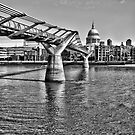 The Millennium Bridge in HDR by tayforth