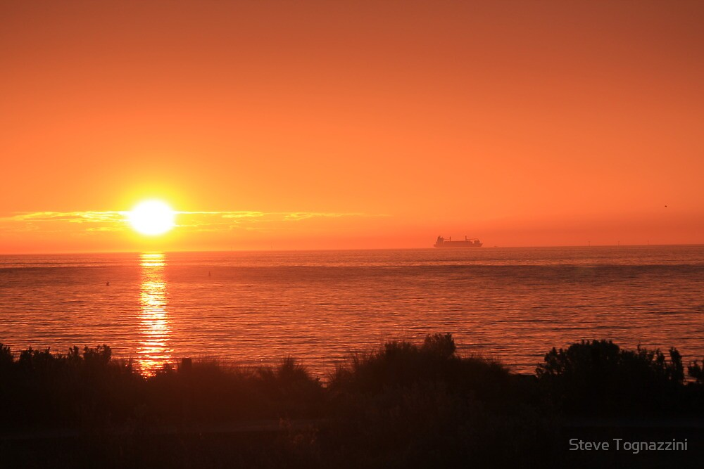 Bay Sunset - Brighton view, Port Phillip Bay by Steve Tognazzini