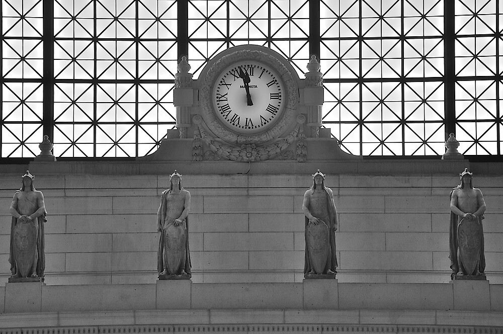 Clock at Union Station by growedup