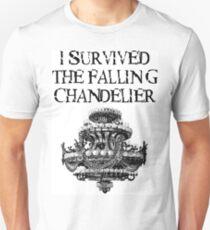Ich überlebte den fallenden Kronleuchter Unisex T-Shirt
