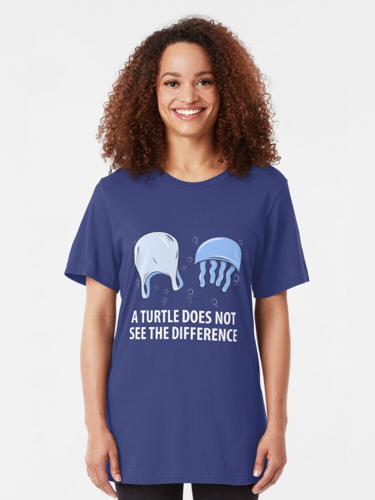 Alternative Ansicht von A Turtle Does Not See The Difference - Sea Turtle Slim Fit T-Shirt
