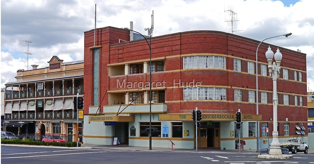 Knickerbocker and the Royal Hotels, Bathurst. by Margaret  Hyde