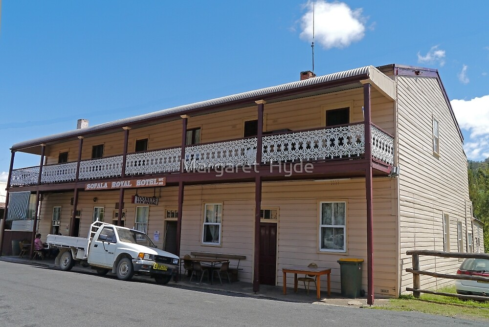Royal Hotel, Sofala, New South Wales, Australia by Margaret  Hyde