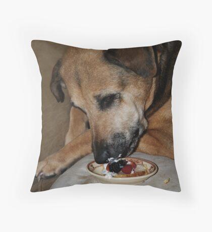 Shortcake Throw Pillow