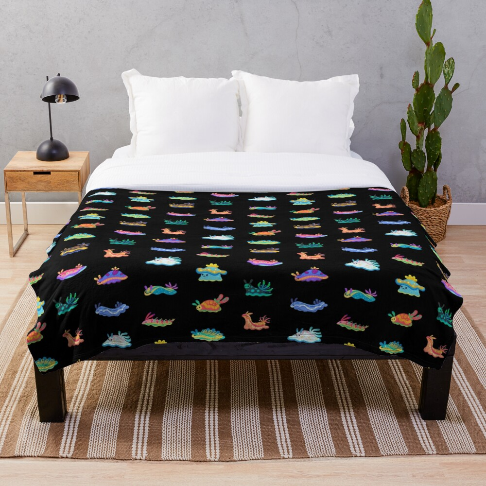 Sea slug - black Throw Blanket