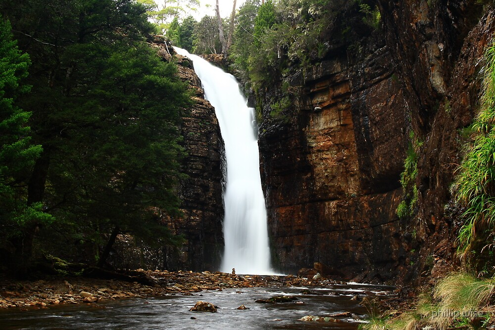 Harnet falls  by phillip wise
