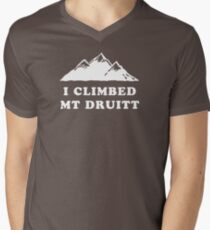 I Climbed Mt Druitt Men's V-Neck T-Shirt