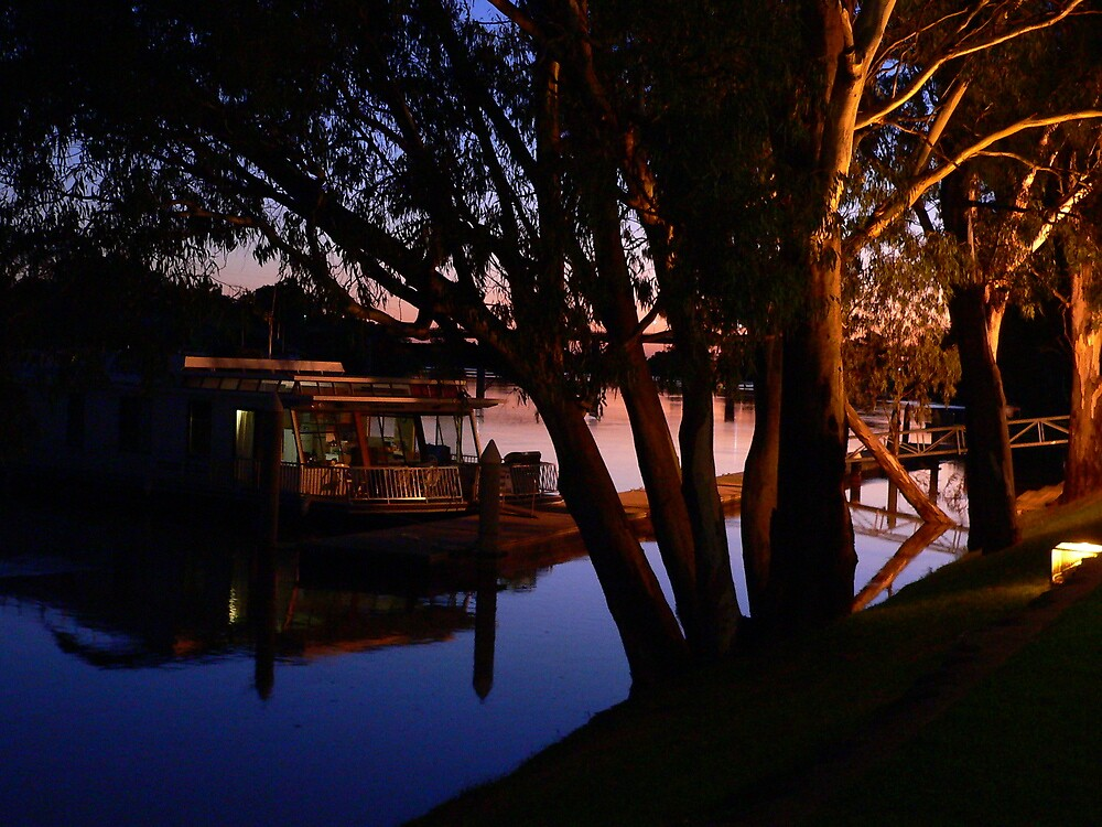 Murray River Scene @ Evening by Phil Harvie