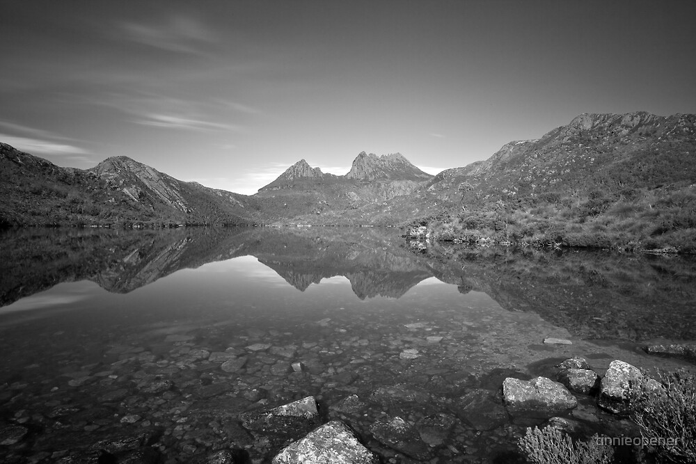 Lake Dove/Cradle Mountain by tinnieopener