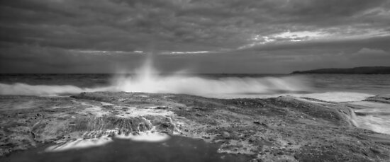 Wet Maroubra by Mark  Lucey