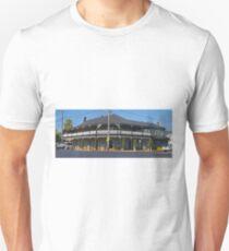 Oriental Hotel, Mudgee, New South Wales, Australia T-Shirt