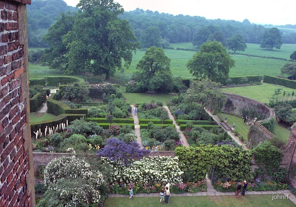 Garden, Sissinghurst Palace, Kent, UK.  by johnrf