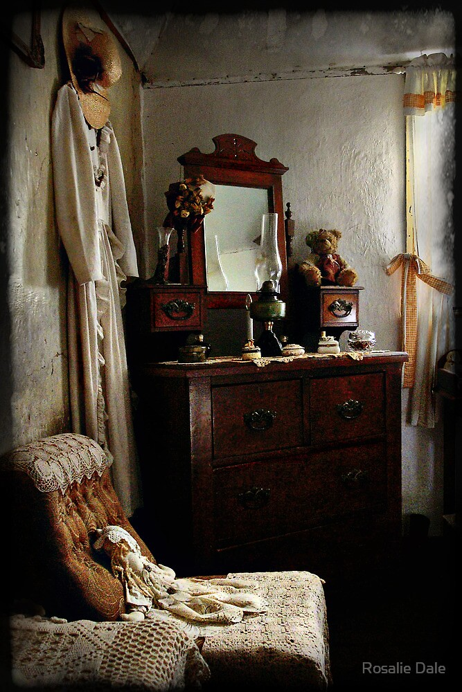Ackerman's Cottage cameo No 2 ~ Hill End NSW by Rosalie Dale
