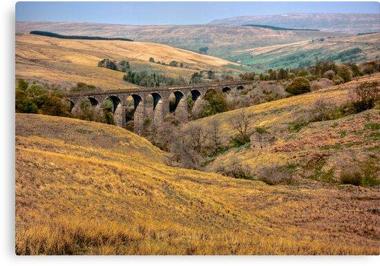Dent Head Viaduct by Trevor Kersley