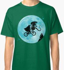 E.T. vs Aliens Classic T-Shirt