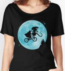 E.T. vs Aliens Women's Relaxed Fit T-Shirt