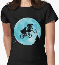E.T. vs Aliens Women's Fitted T-Shirt