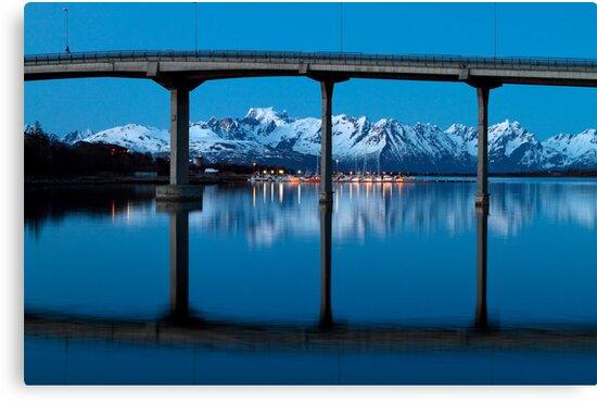 The marina by the bridge by Frank Olsen