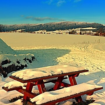 Table and bench in winter scenery | landscape photography by patrickjobst
