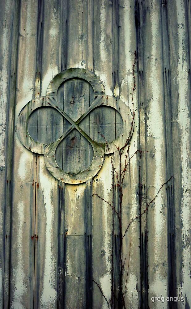staatsburg barn - old window by greg angus