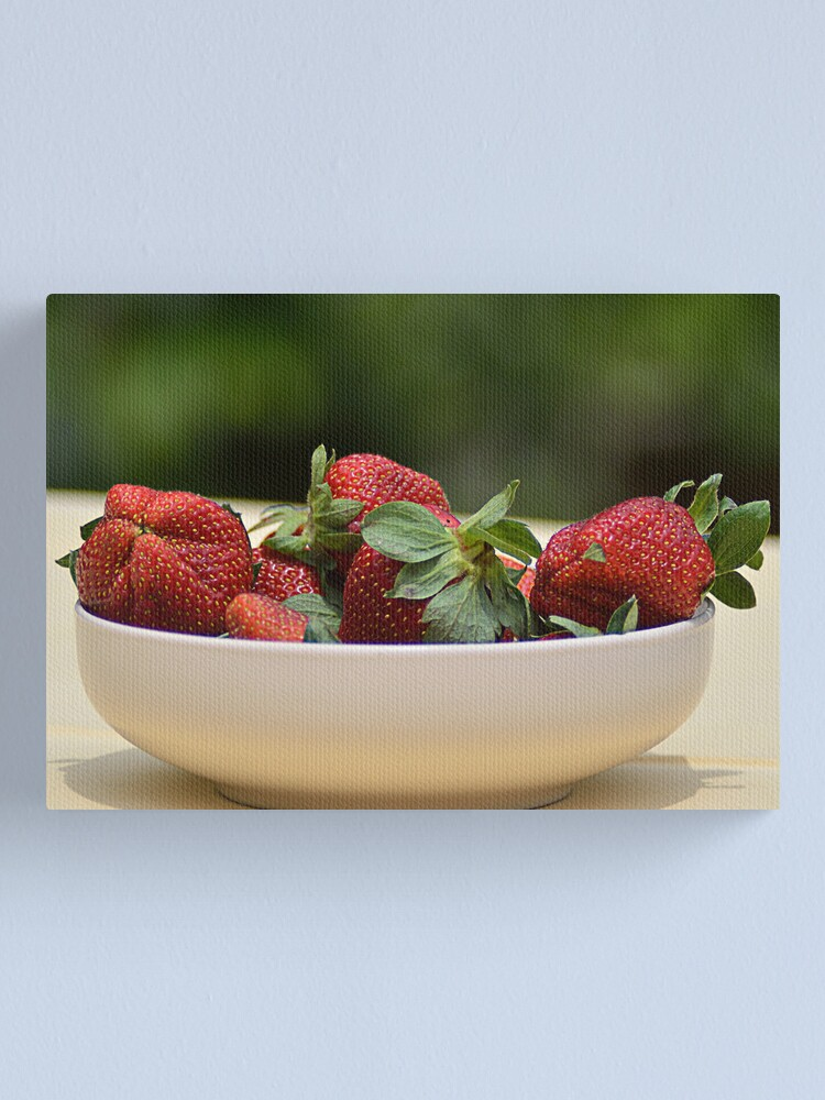 Alternate view of Fragole a tavola Canvas Print