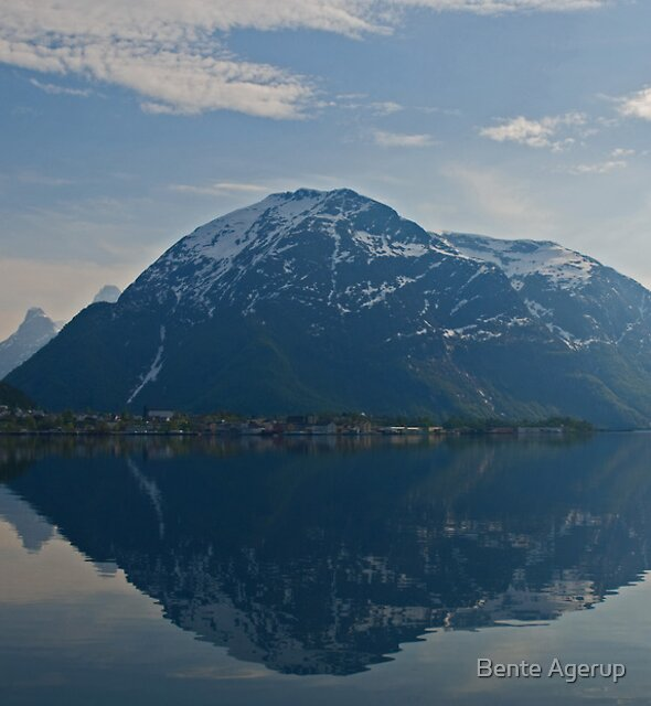 Aandalsnes in the mirror by Bente Agerup