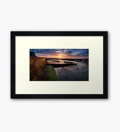 Sunset at low tide Framed Print