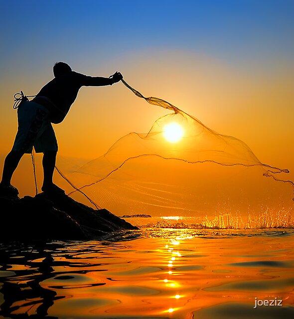Fisherman catch the sun by joeziz