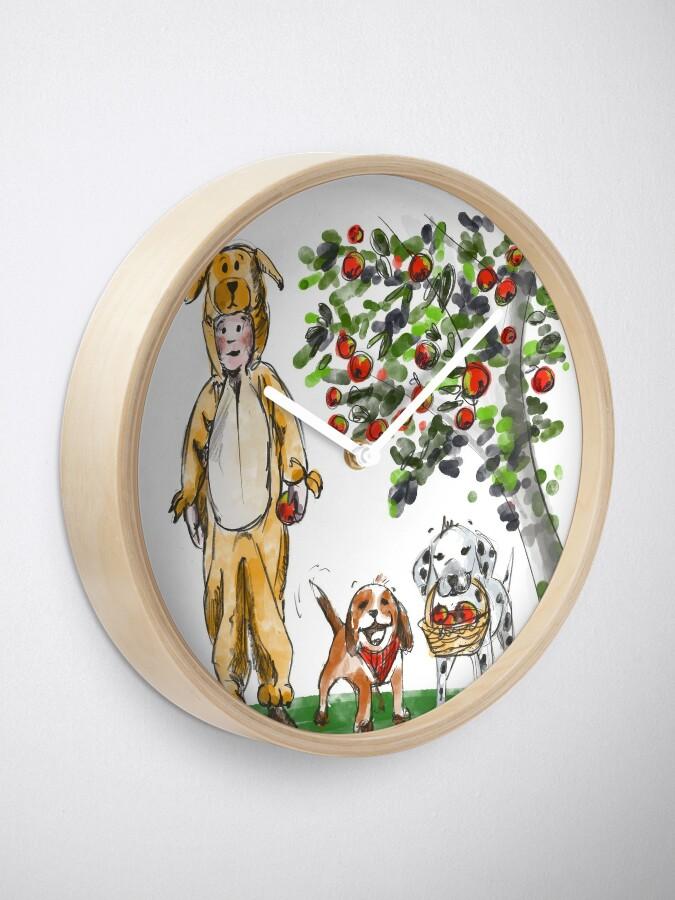 Alternate view of Apple lovers Clock