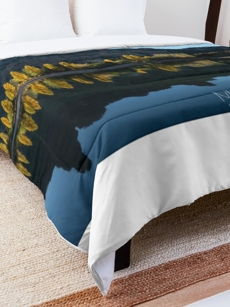 Alternate view of Flame Trees Comforter
